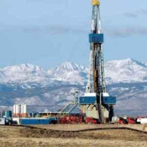 oil well in Rockies
